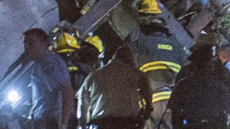Amtrak train derails killing at least five