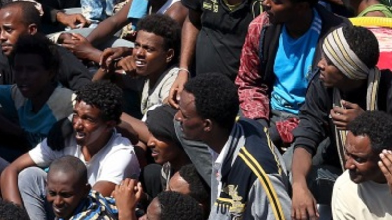 Thousands of migrants rescued near Italy