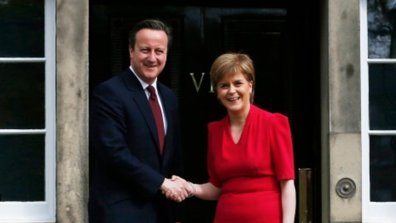 Cameron and Sturgeon discuss future of UK