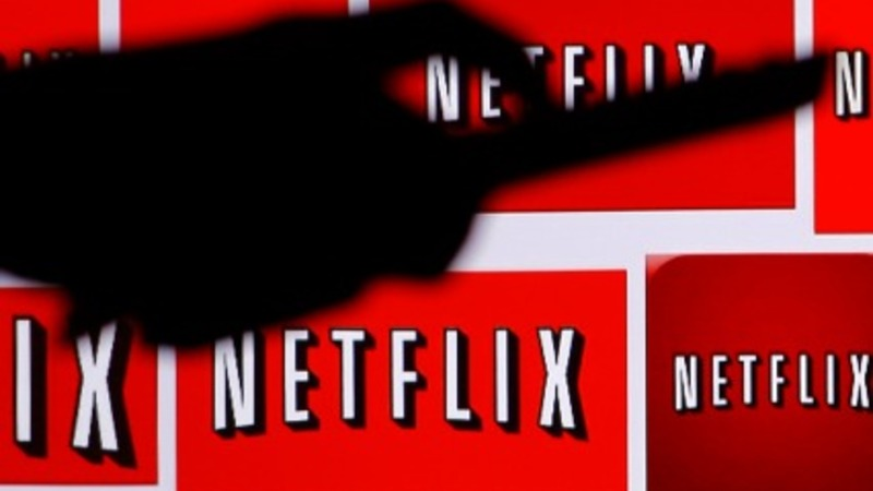 Netflix shares cross $600 on China reports