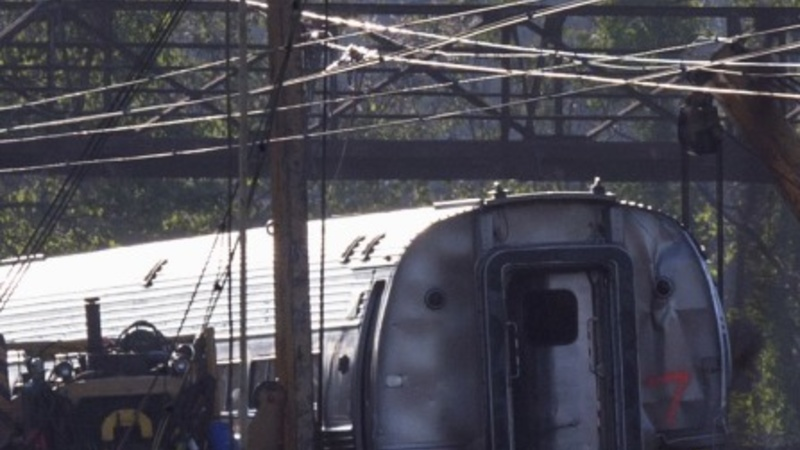 Officials order safety improvements on Amtrak
