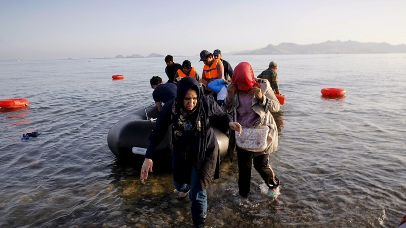 Syrian refugees strain Greek island of Lesbos