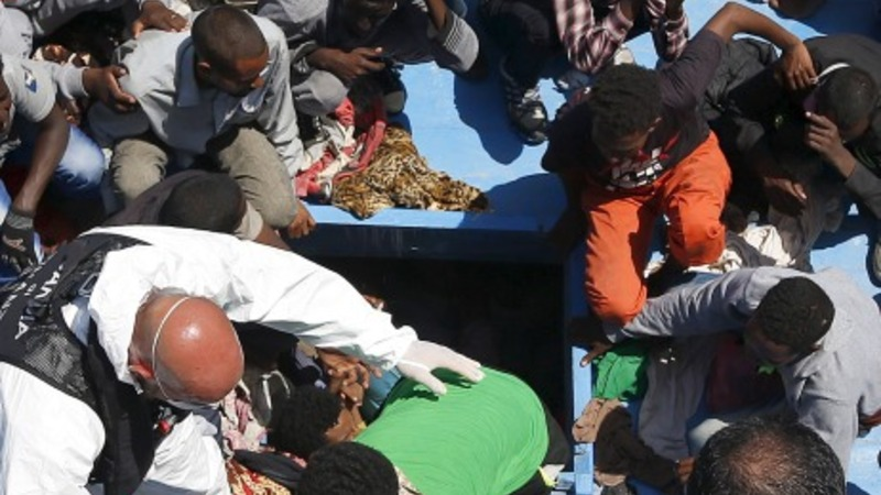 Thousands of migrants rescued in Mediterranean