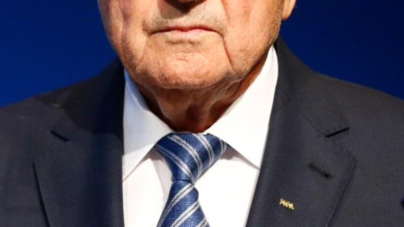 EU lawmakers call on Blatter to go