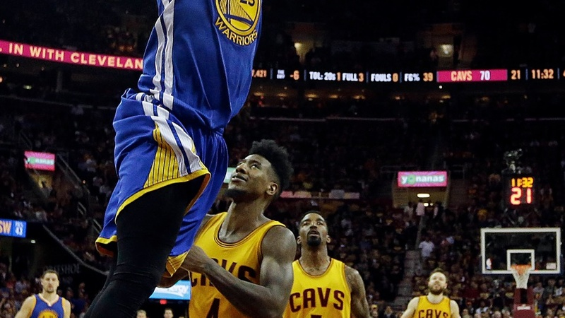 Golden State beat Cavs, tie series 2-2