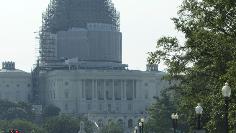 Trade bill derails in House