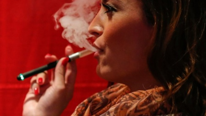 E-cig makers tap healthcare hiring pool