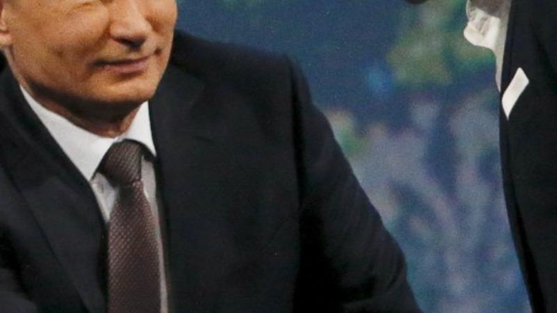 Tspiras woos Putin for bailout