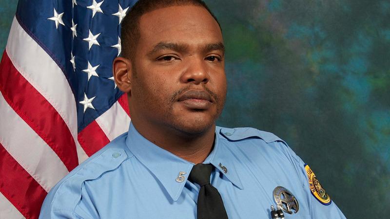 New Orleans prisoner kills cop, escapes