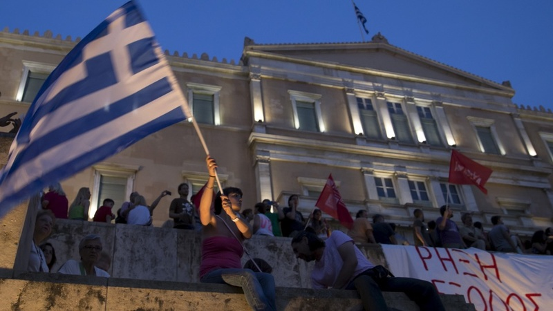 Greece to offer new deal to creditors