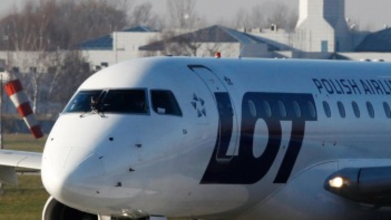 Hackers ground 1,400 passengers in Poland