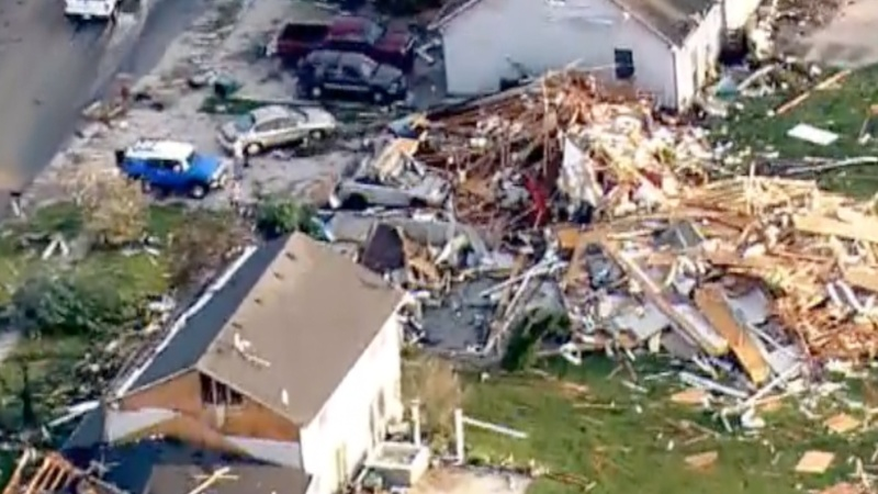 Rescue workers hunt for tornado survivors