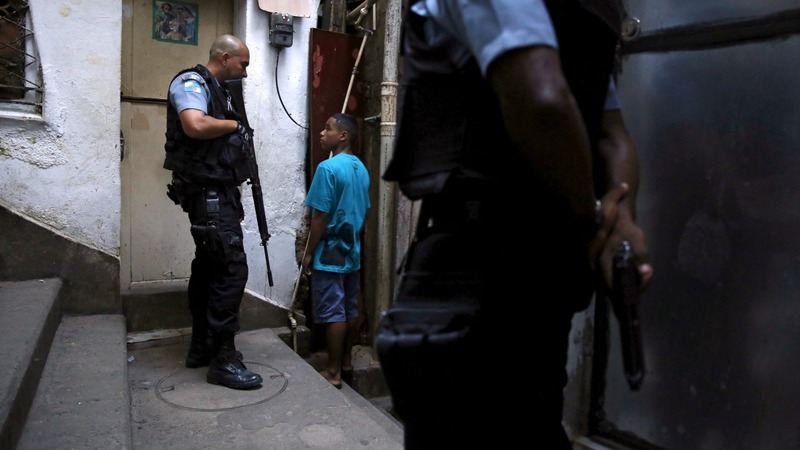 Rio gunfight sparks Olympic security fears