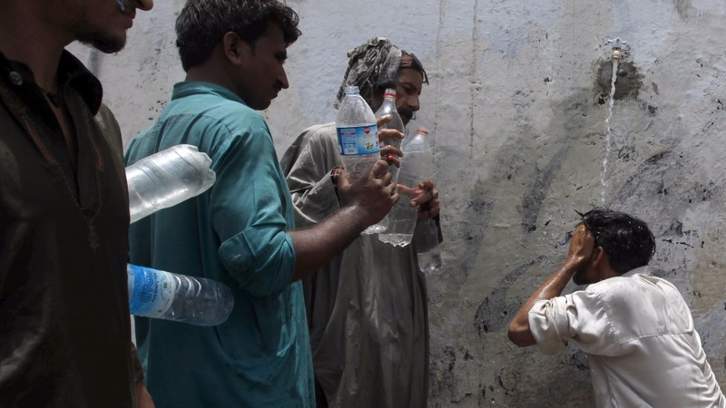 Pakistan gov't under fire for heatwave deaths