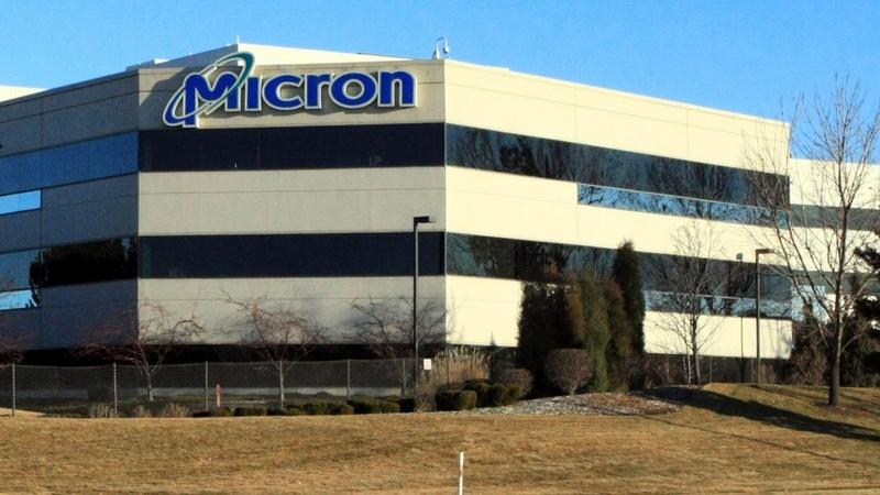Micron drags down chipmakers in Nasdaq drop