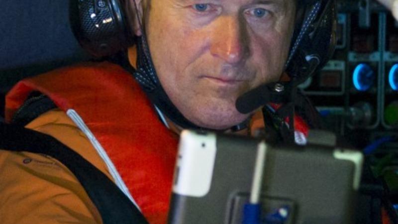 Solar-powered plane breaks world record
