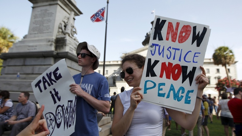 Historic vote to drop Confederate battle flag