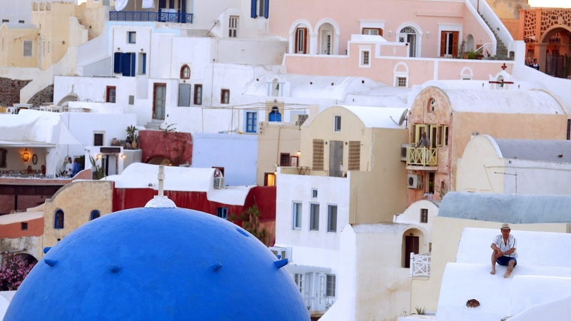 Debt crisis saps Greek tourist trade