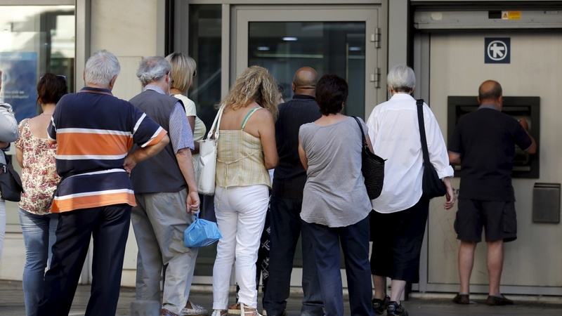 Greeks fear cash limit could be reduced