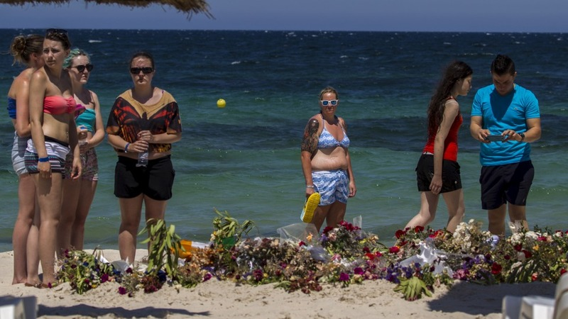 Britons warned to leave Tunisia
