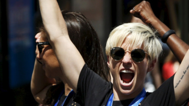 Thousands cheer for U.S. Women's Soccer in NYC