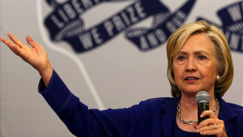 Clinton to push for higher pay