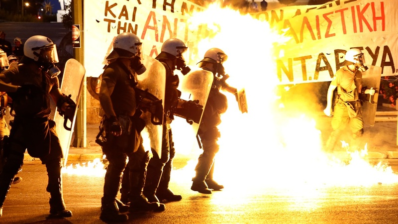 Violent clashes ahead of crucial Greek vote