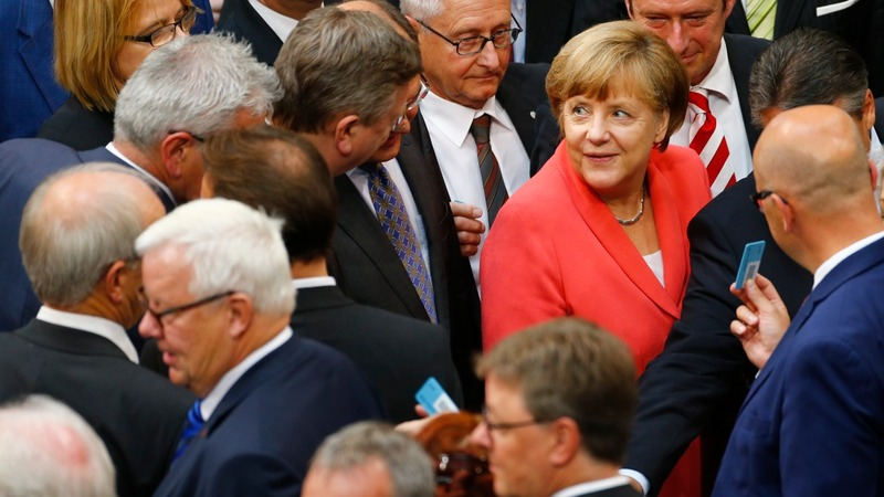 German lawmakers approve Greek bailout