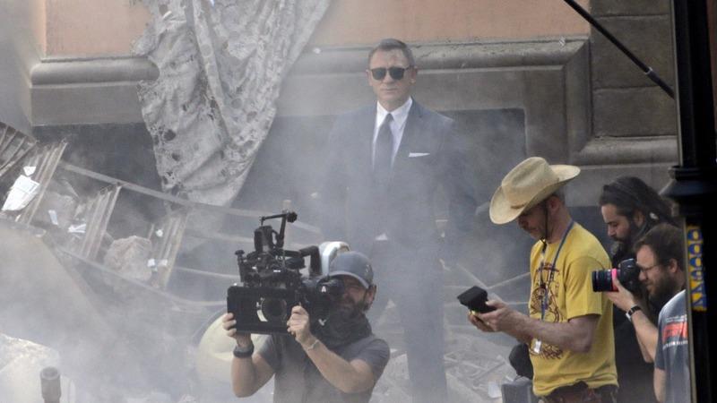New Bond trailer spooks the internet