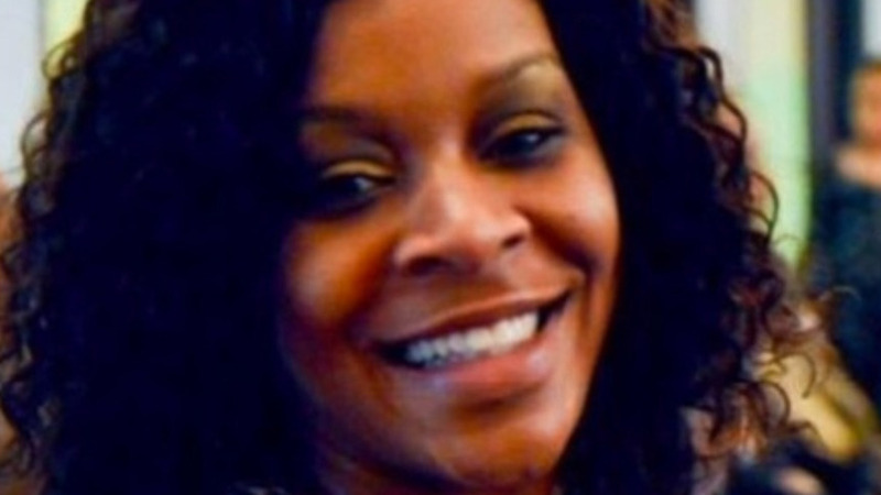 Mourners gather for Sandra Bland funeral