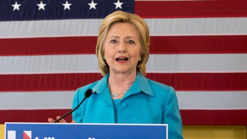Hillary woos unions fighting trade deal