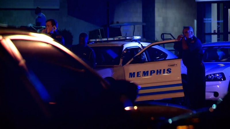 Memphis police hunting officer's killer