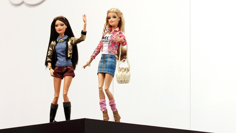 35th annual Barbie convention draws all kinds