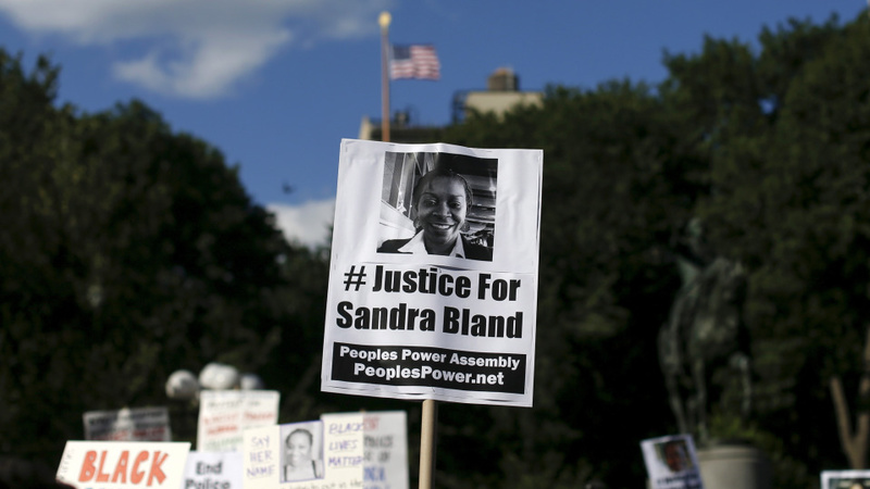 Sandra Bland family files wrongful death suit