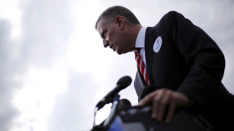 """NYC Mayor calls Legionnaires' outbreak a """"wake up call"""""""