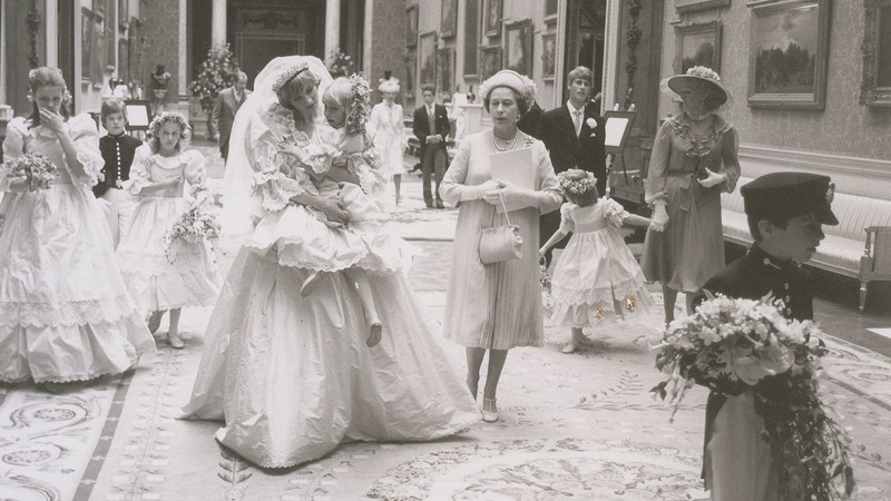 Unseen Charles and Diana wedding photos auctioned
