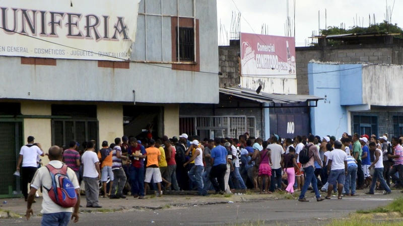 Venezuelans desperate as food shortages worsen
