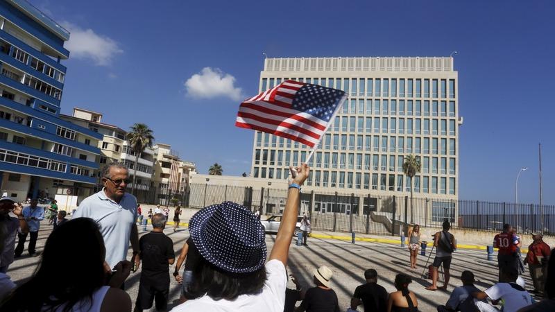 Kerry raises U.S. flag in historic Cuba trip