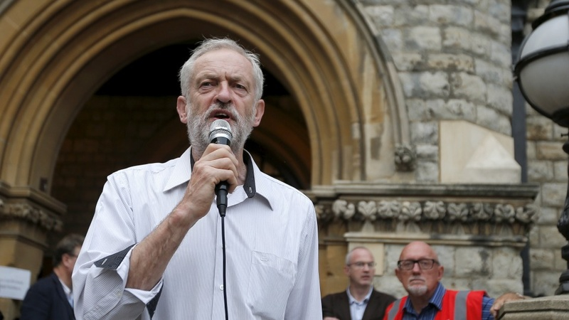 Corbyn phenomenon rolls into London