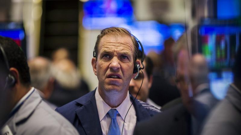 Wall Street sells off, Twitter tanks