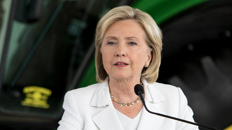 Clinton aims for a fresh start in Iowa