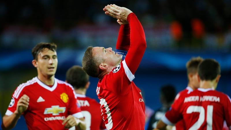 Man Utd smash through to Champions League