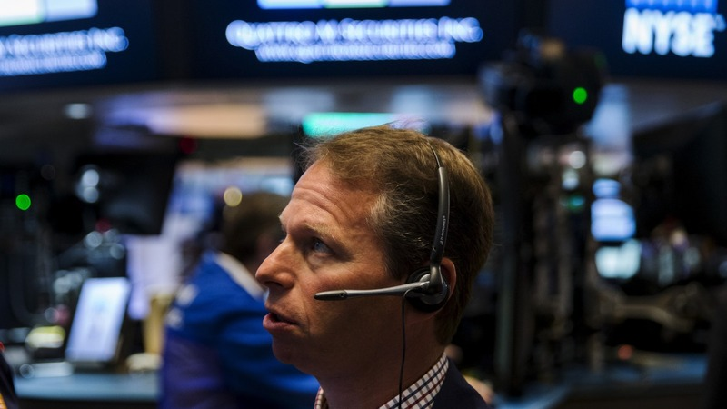 Markets sink further on more China concerns