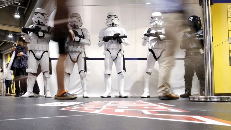 Star Wars toy fever takes over Tokyo