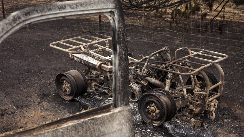 Wildfire leaves spa town, homes in ashes