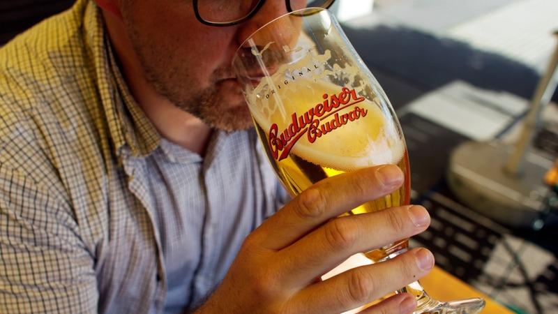 World's biggest beer-makers brew up megadeal