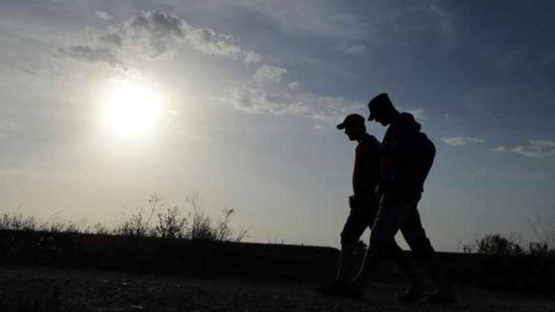 Refugees enter Croatia; new flash point looms
