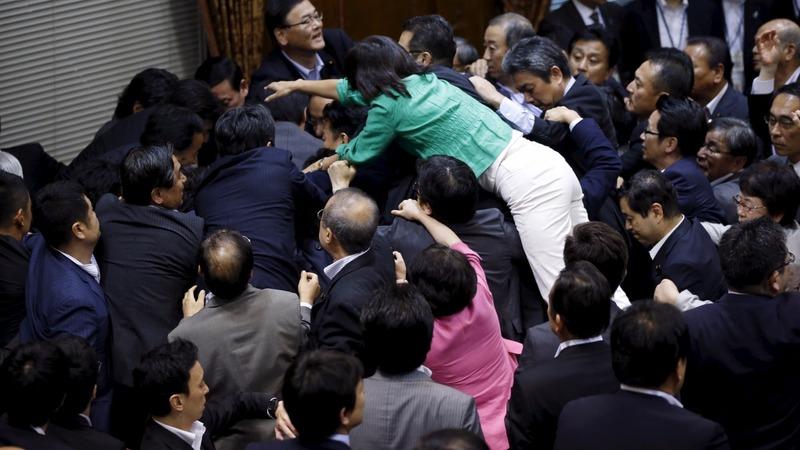 Lawmakers brawl over Japan's 'war bills'