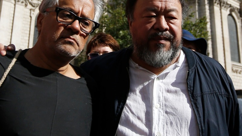 Weiwei and Kapoor march for refugees