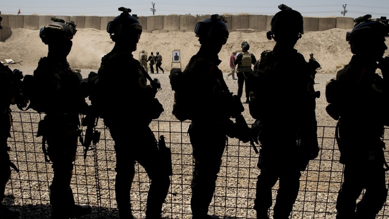 Iraqi soldiers smuggle themselves into Europe